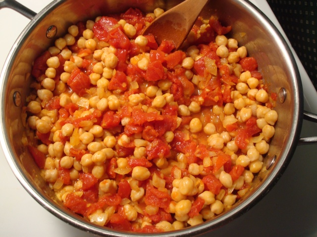 Curried Okra with Chickpeas and Tomatoes (recipe found at www ...